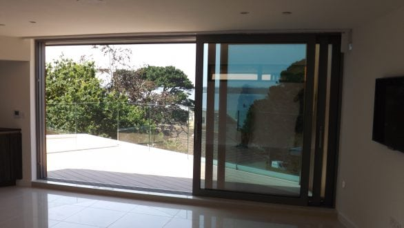 Reynaers sliding door