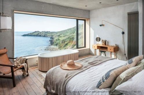 Bedroom aluminium window